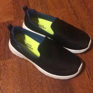 Skechers Youth 13.5 Black Slip On Sneakers